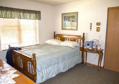 creek-side-manor- bedroom